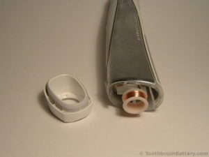 braun-oral-b-triumph-type-3762-base-cap-opened